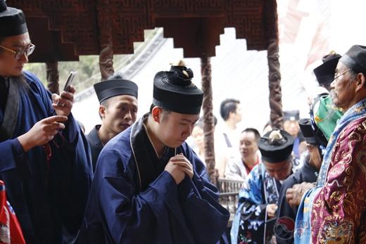 宝鸡龙门洞举办戊戌年冠巾法会