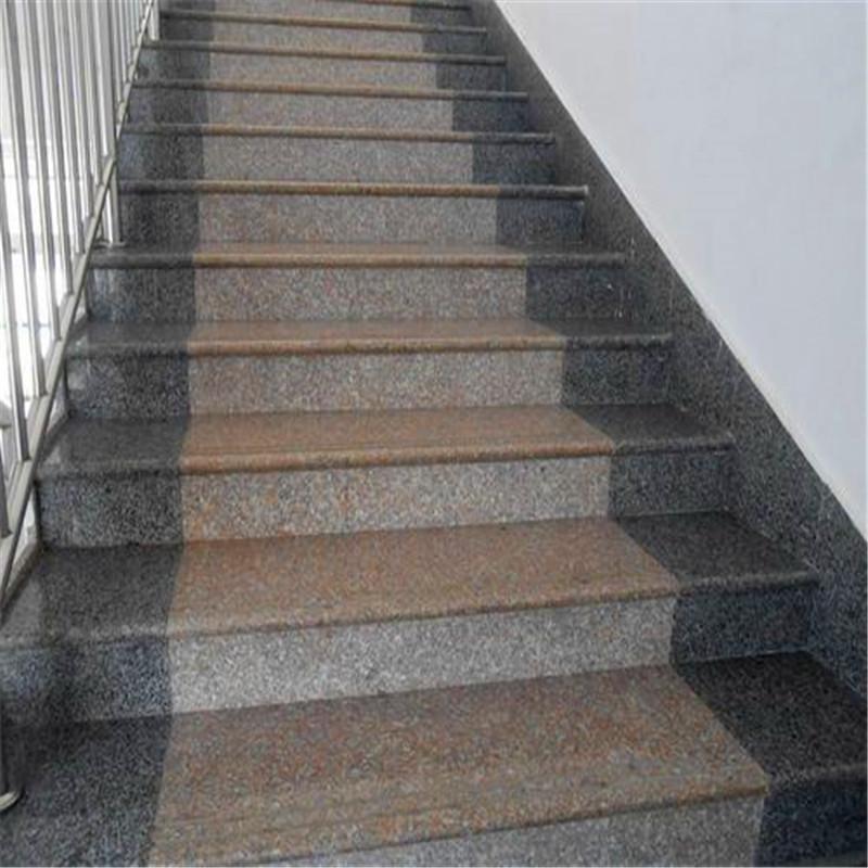 五蓮紅樓梯踏步,芝麻灰踢腳線.jpg