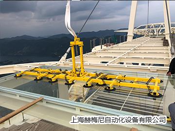山東霍夫曼建工有限公司-工程應用-黃石天空之城玻璃棧道吊裝(2000KG)2.JPG