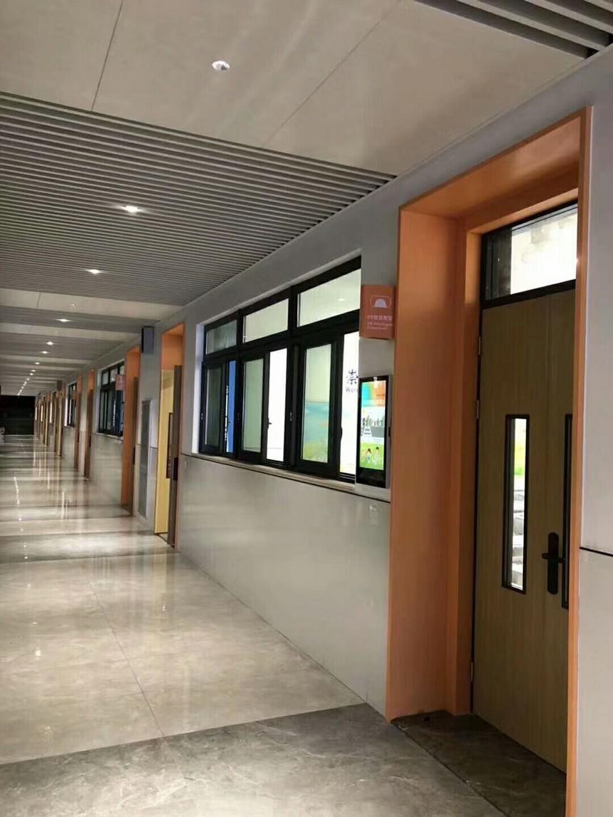 深圳雅园学校教室廊道铝扣板案例