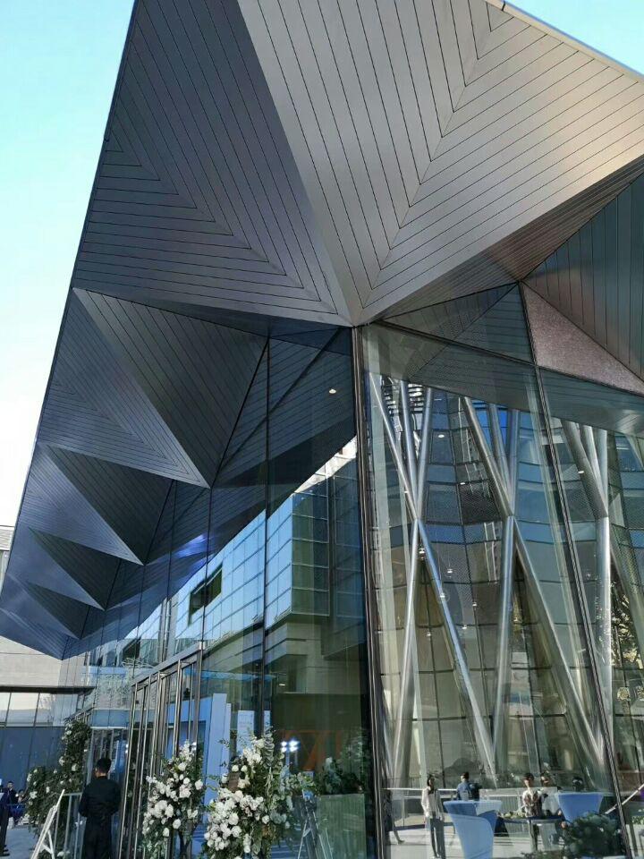 华润总部大厦铝单板外墙装饰效果