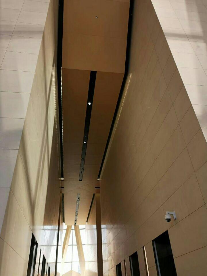 华润大厦总部大厅铝单板幕墙装饰效果