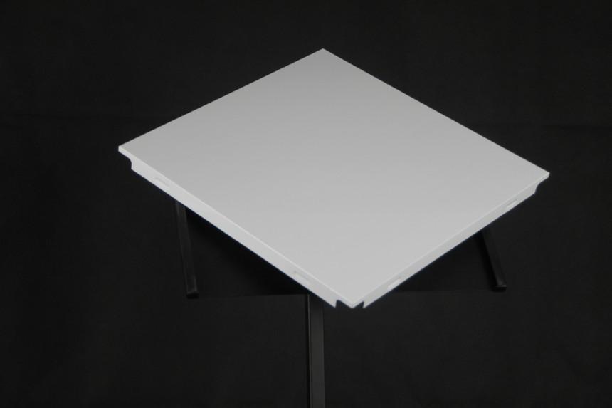 珠光白铝扣板