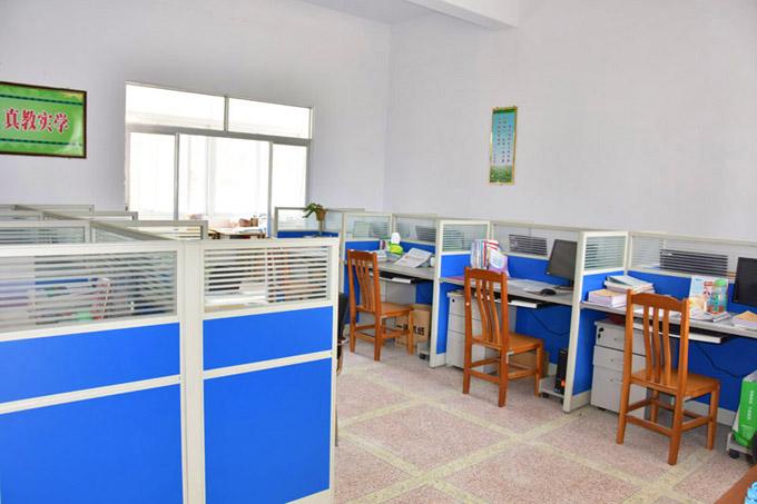 DSC_4513教室办公室.jpg