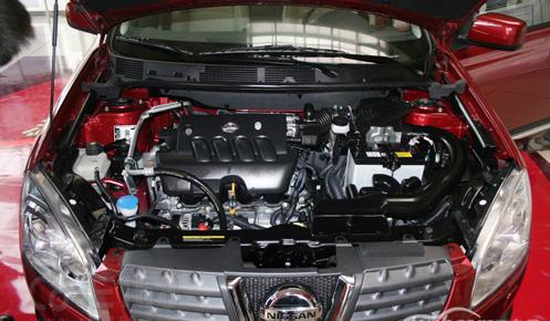 动力配置上,新款逍客延续现款动力总成,搭载1.2t涡轮增压发动机和2.
