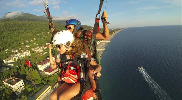 paraglider-536642_960_720.jpg