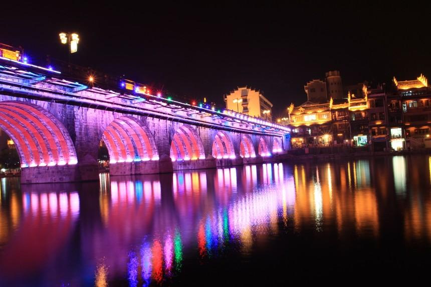 6镇远古镇新桥.jpg
