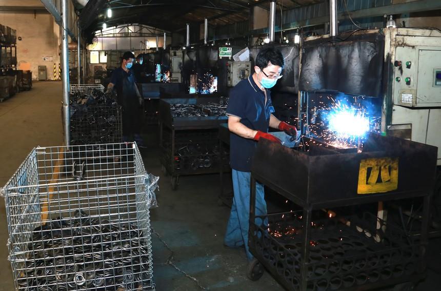 07: 半自动焊接设备.JPG