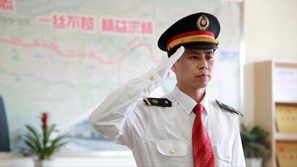 成都鐵路學校招生簡章_(鐵路乘務、鐵路信號、鐵路工程、動車駕駛)報名條件