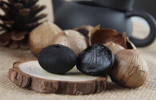1头黑蒜=7根冬虫夏草=10种良药,黑蒜的作用很惊人