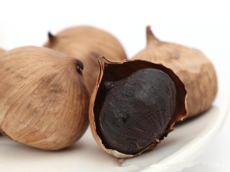 养生黑蒜功效好处多多,怎么吃才更健康