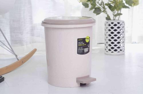 附图:家庭垃圾桶