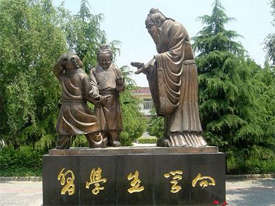 铸铜雕塑.jpg
