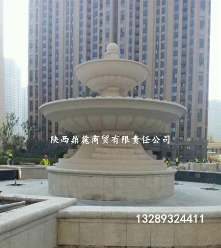為西安鳳城十路某小區訂做景觀噴泉.jpg