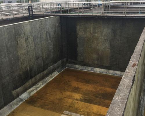 重庆市北碚水土常青藤1500平污水池防腐