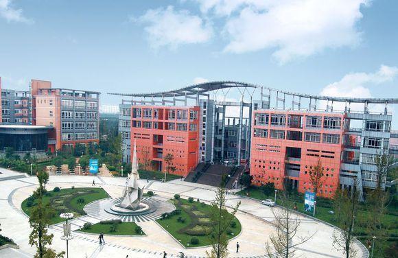 四川城市职业技师学院校园环境