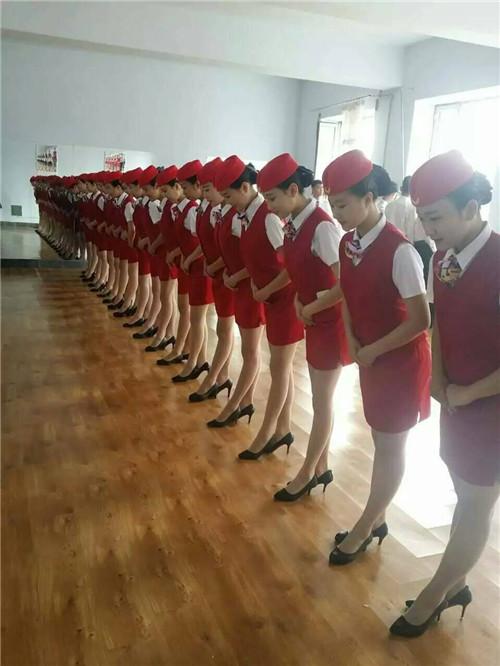 成都航空高铁学校2018年航空服务需要学习哪些知识