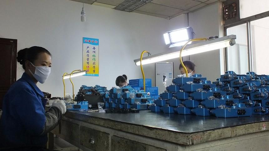 光瓦生产.JPG