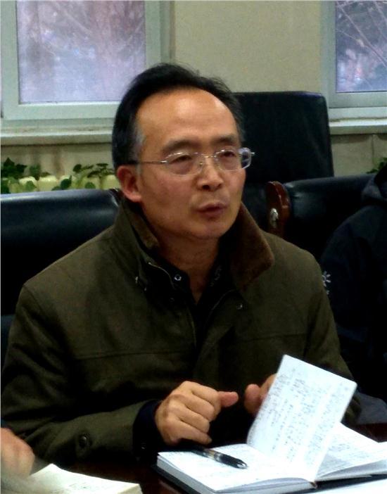 科研处毕主任主持会议1.JPG
