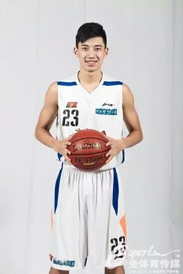 我校09级篮球队员司坤.jpg
