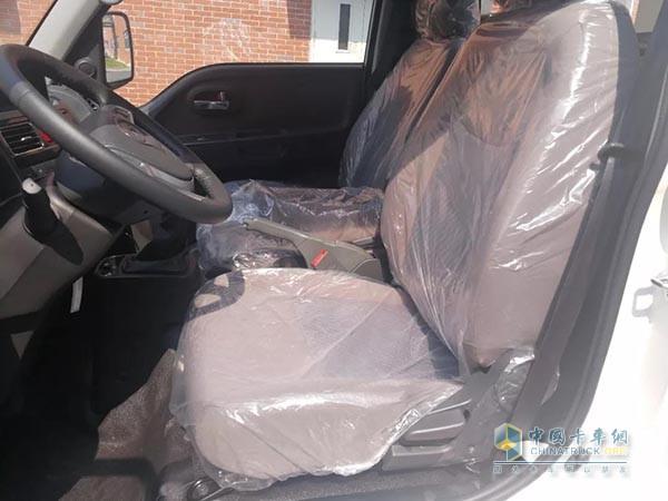 康铃X5 1.5L汽油版座椅更舒适