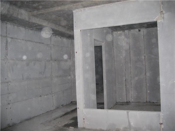 卫生间隔墙.jpg
