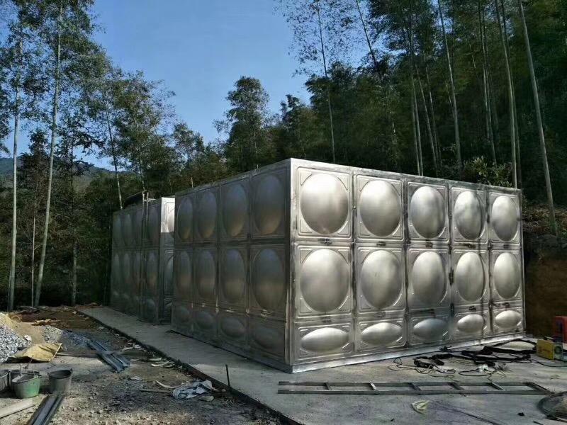 不锈钢方形水箱.jpg