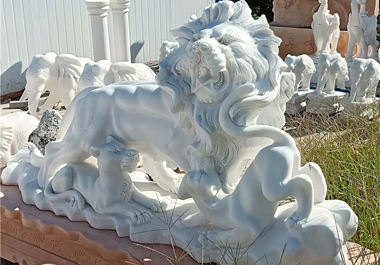汉白玉石雕狮子.jpg