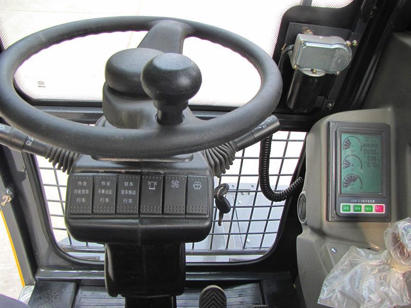 宝鼎80挖掘机驾驶室
