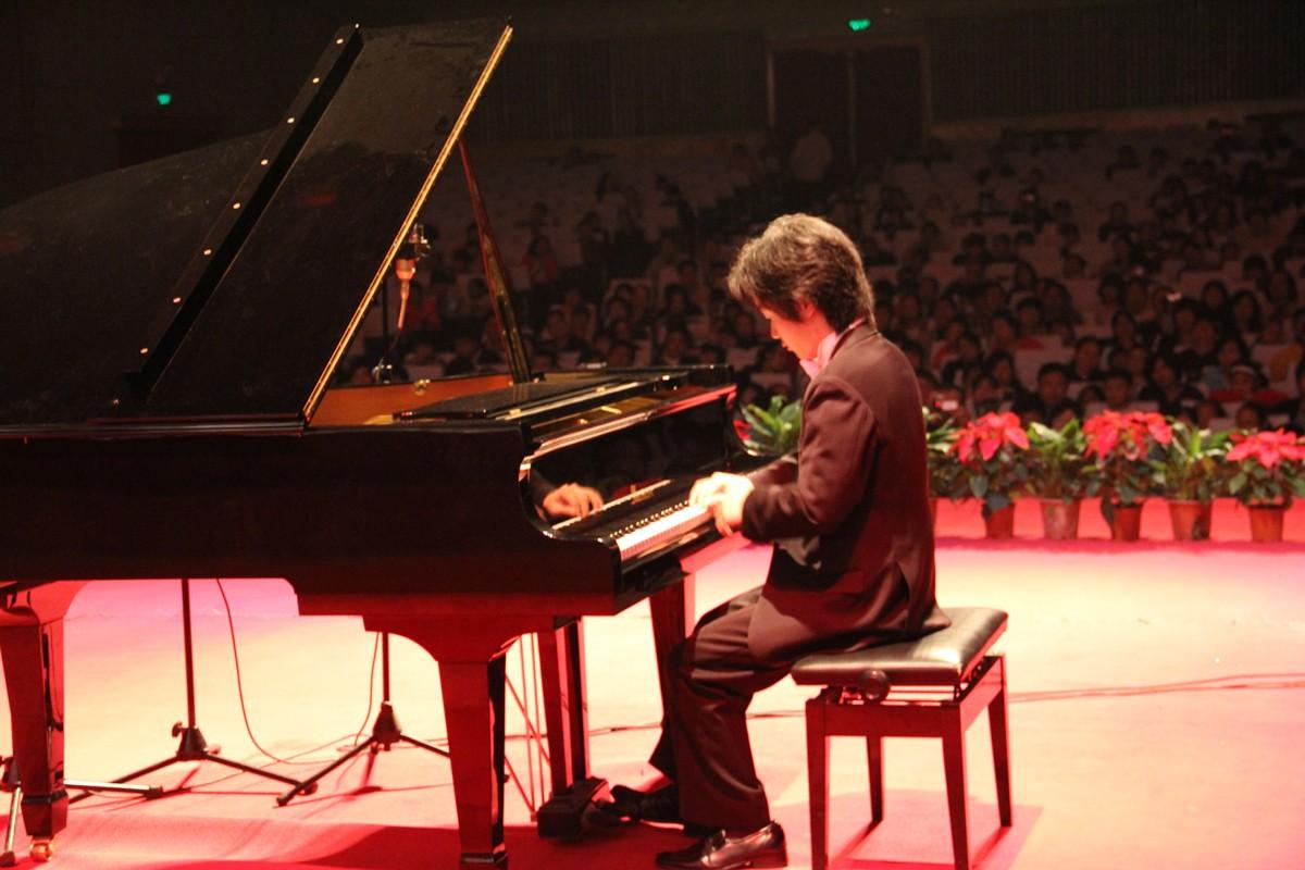 2011年中国莫扎特沈文裕钢琴独奏音乐会原车.jpg