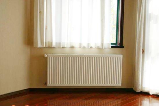 御寒有道 暖气片与地暖管道的使用比较