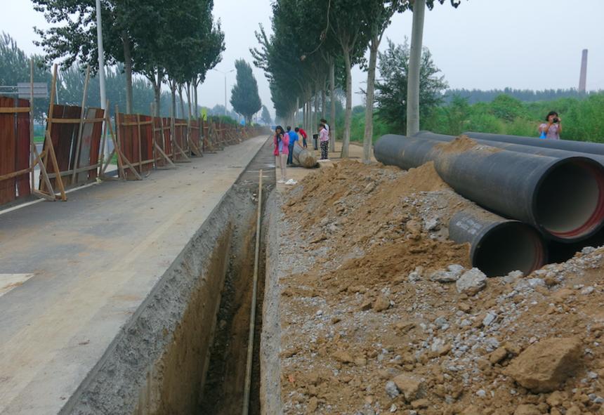 白楊路中水管線工程施工現場2.png