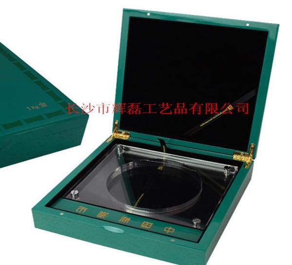 水晶木盒.jpg