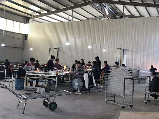 [招聘]西大汗玻璃制品厂招工:拉丝,爆口,合口,吹胎师傅,及包