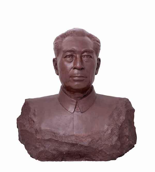 陈春 《周恩来总理》 雕塑 石膏 80×80×50cm 2012.jpg